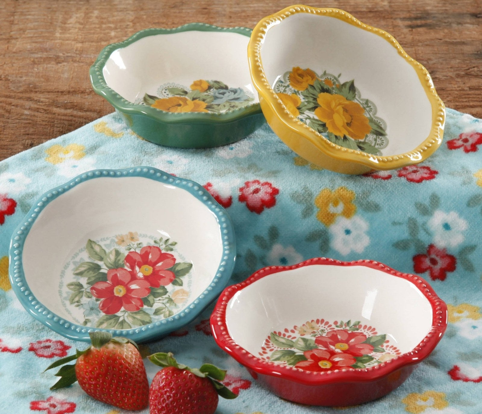 Plates are oven- and dishwasher-safe!Get the from Walmart or Jet for $14.88.