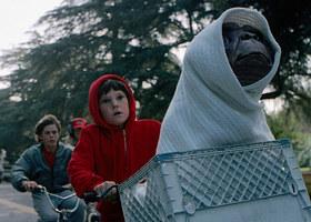 <i>E.T. The Extra-Terrestrial</i> (1982)