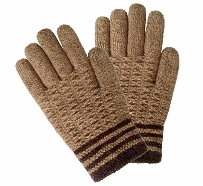 "Promising review: ""These gloves are exceptionally high quality and fit my needs exactly. When I go to Navy PT on cold mornings, they keep my hands warm and flexible while showing no logo, allowing me to wear them in uniform. Great product!"" —Amazon CustomerPrice: $7.99 (available in six color combos)"