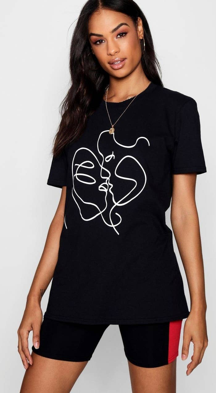 ab37c188de2 An artistic graphic tee for when you need to put together a  polished-yet-casual look ASAP. It s so cute