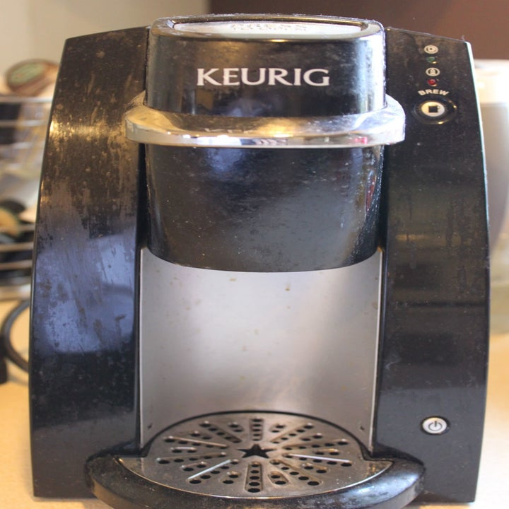 before: a keurig coated in a thick grimy layer of grease