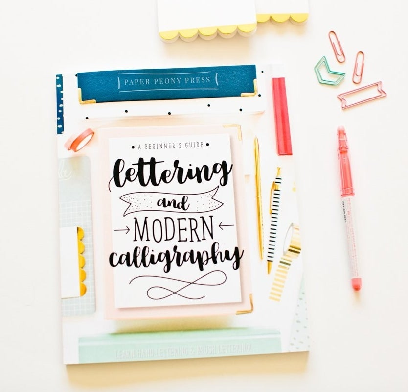 """cover of """"A Beginner's Guide to Lettering and Modern Calligraphy"""""""