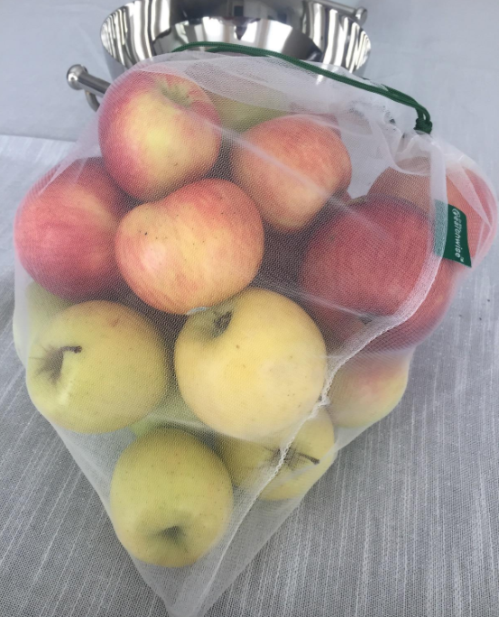 reviewer photo of apples in the clear produce bag