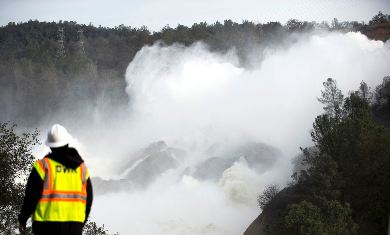 Overflowing water at the Oroville Dam in 2017.