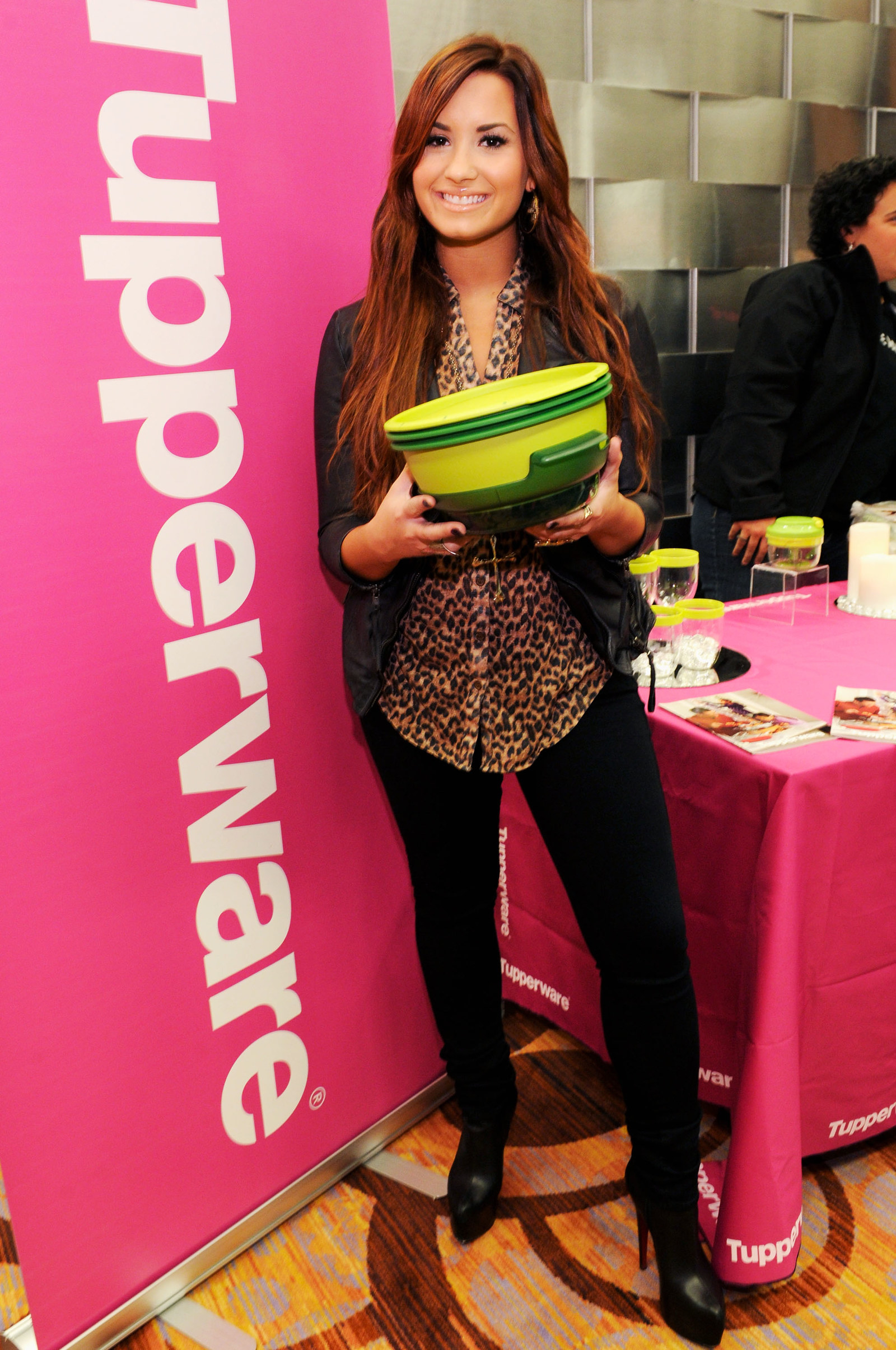 Demi Lovato and a Tupperware bowl.