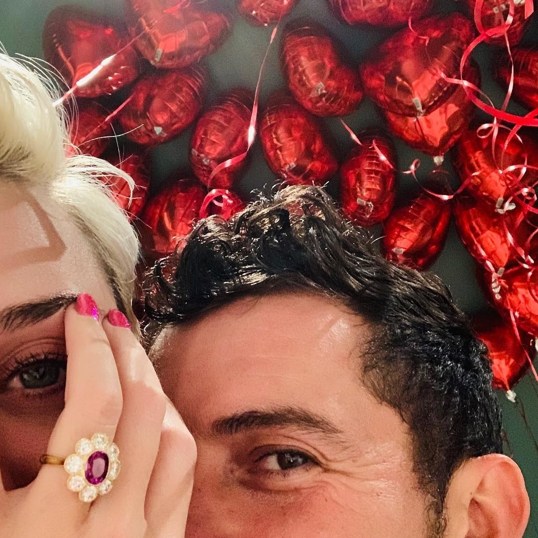 Katy Perry and Orlando Bloom got  engaged !
