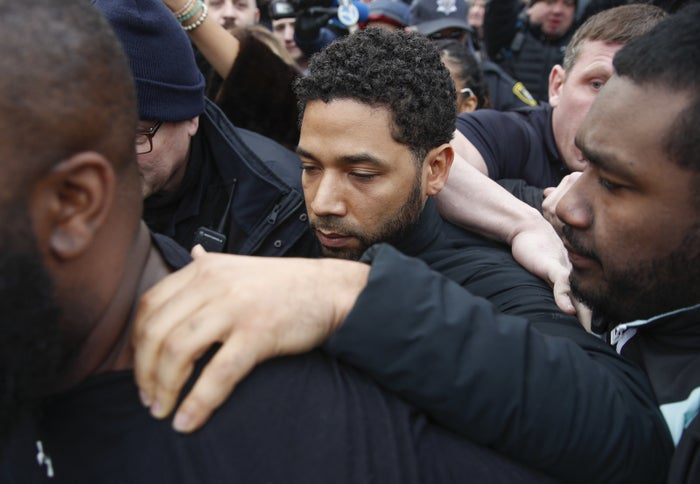 Jussie Smollett leaves Cook County jail following his release.
