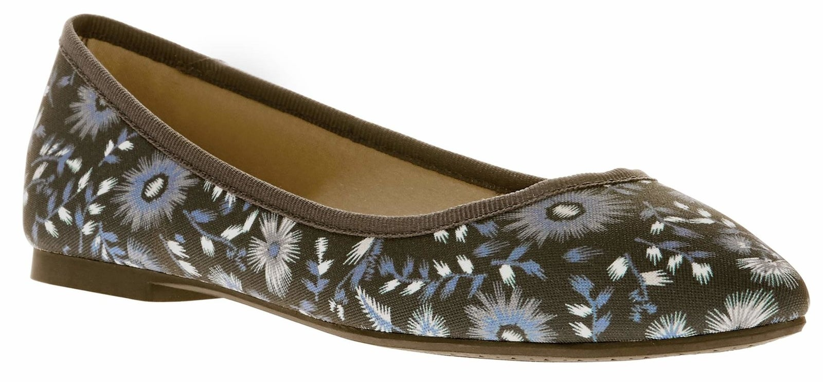 """Promising review: """"Very pleased. Extremely comfortable and just what I was looking for. Inexpensive yet stylish flats for wearing with jeans. Wish there were more colors, I'd buy them all!"""" —NinaPrice: $9.87 (available in sizes 6–11 and in four styles)"""