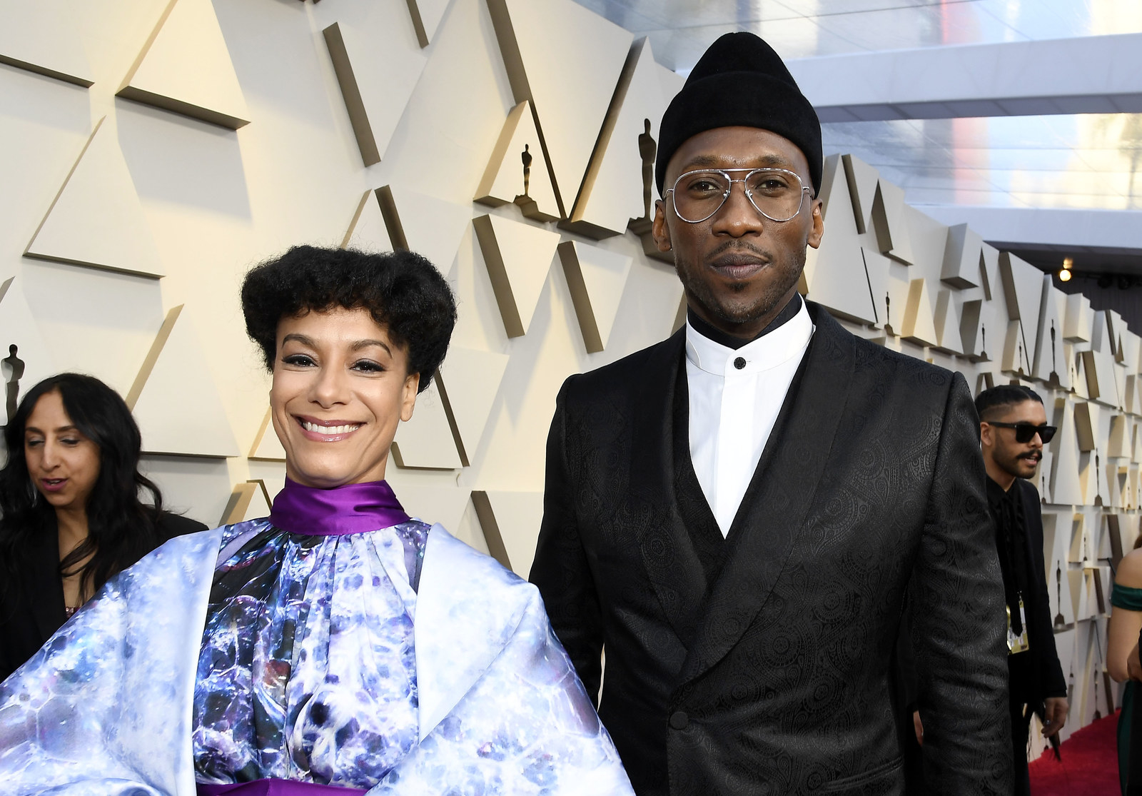 SOUND THE ALARM: MAHERSHALA ALI JUST WON HIS SECOND BEST SUPPORTING ACTOR OSCAR!!! -  This  makes  him the FIRST African American to win two Best Supporting Actor statues and only the second (after Denzel Washington) to win multiple acting awards.