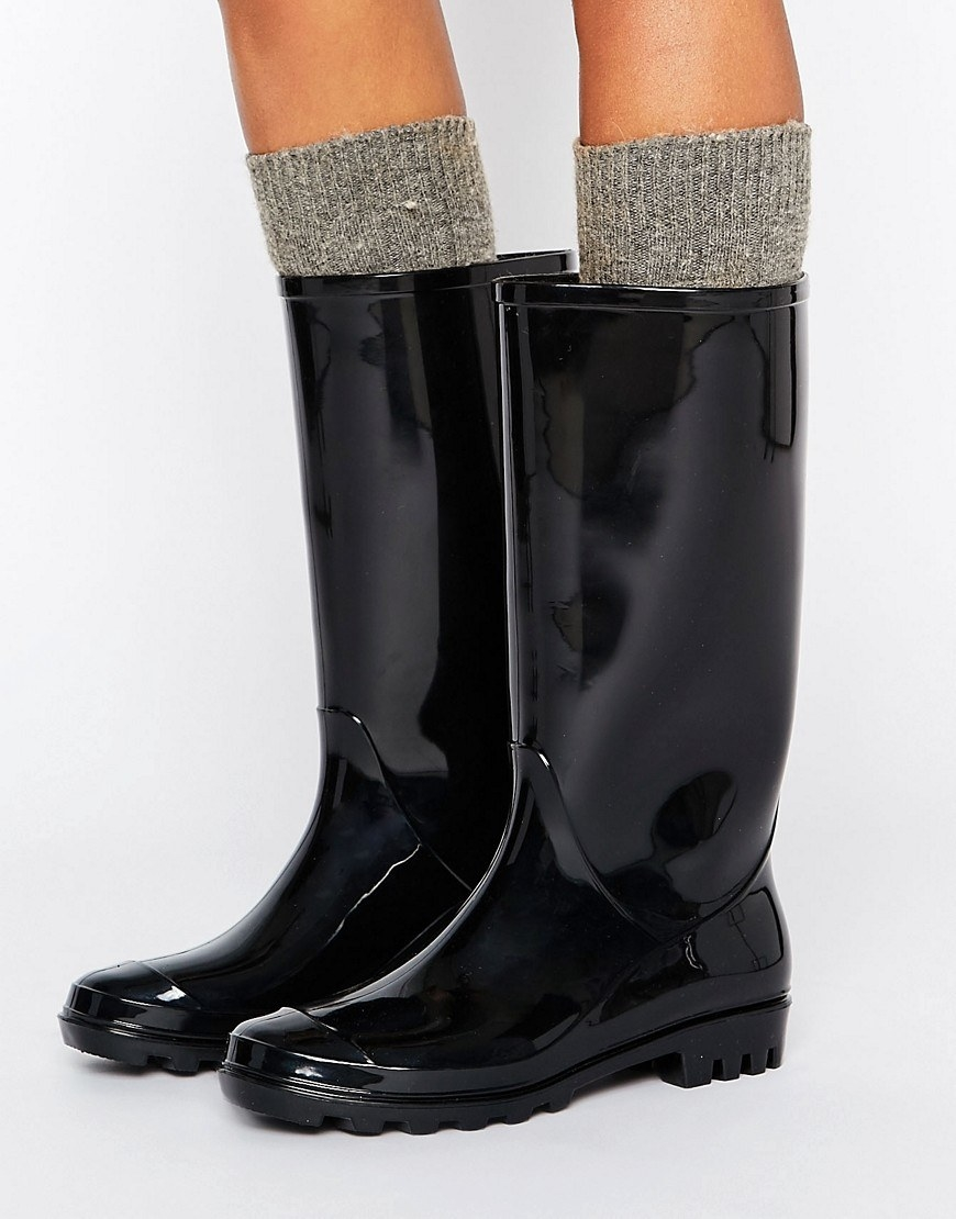 feb0a9554a7 The Best Places To Buy Rain Boots Online