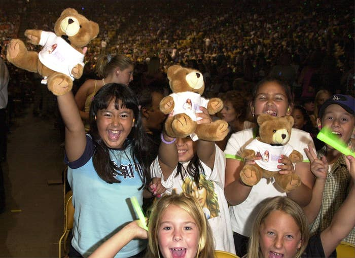 children at a britney spears concert losing their minds