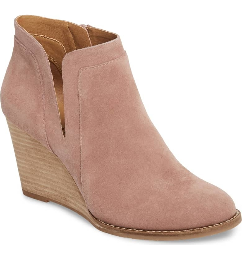 """Promising review: """"I have these in multiple colors. They are comfortable enough to wear all day. Love this style and hope they continue to make it!"""" —SMS112Get it from Nordstrom for $89.90 (originally $129.95, available in sizes 5–13 and six colors)."""