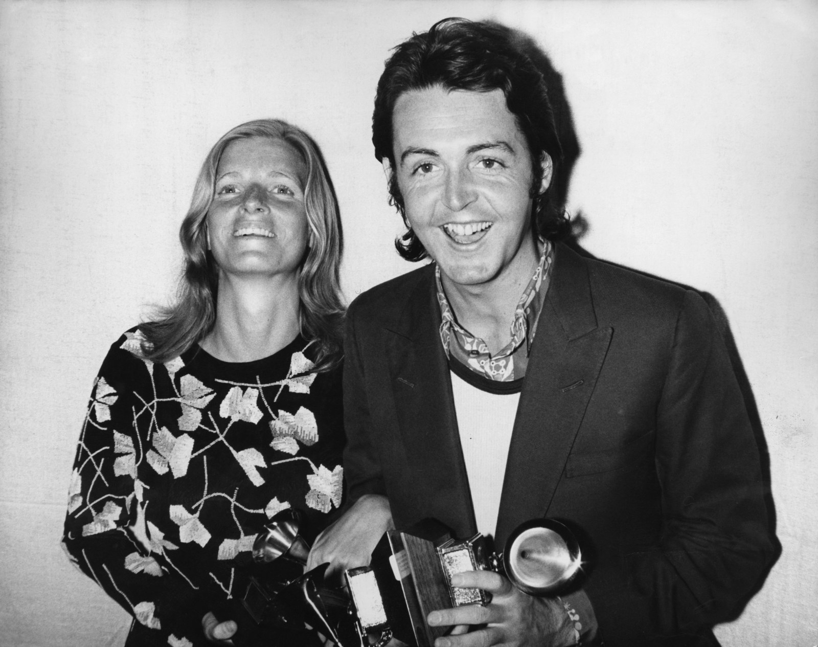 First of all, this pic is from the 13th Grammy Awards in 1971. Couldn't find a pic from the actual event cause ya know, oldness and stuff. Second of all, Petula Clark, Astrud Gilberto, Antonio Carlos Jobim and Morgana King were the competition who did not win.