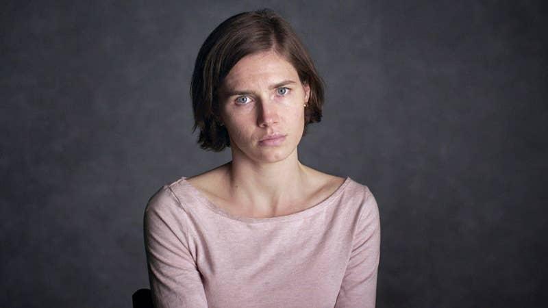 Este documental profundiza en el caso de Amanda Knox, una estudiante estadounidense que está de intercambio en Italia, y a quien acusan de asesinato. Es interesantísimo, y cuando acabe, pasarás horas discutiendo sobre si es inocente... o no.