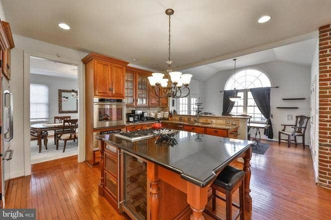 Free Philadelphia House For A Suburban  Sale Sex Comes With
