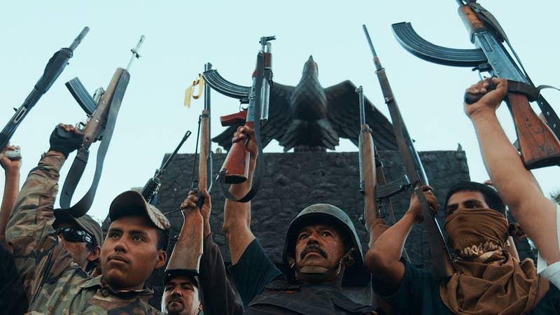 Este documental se adentra en el violento estilo de vida de los cárteles en México y analiza la sociedad desde la frontera con Estados Unidos.