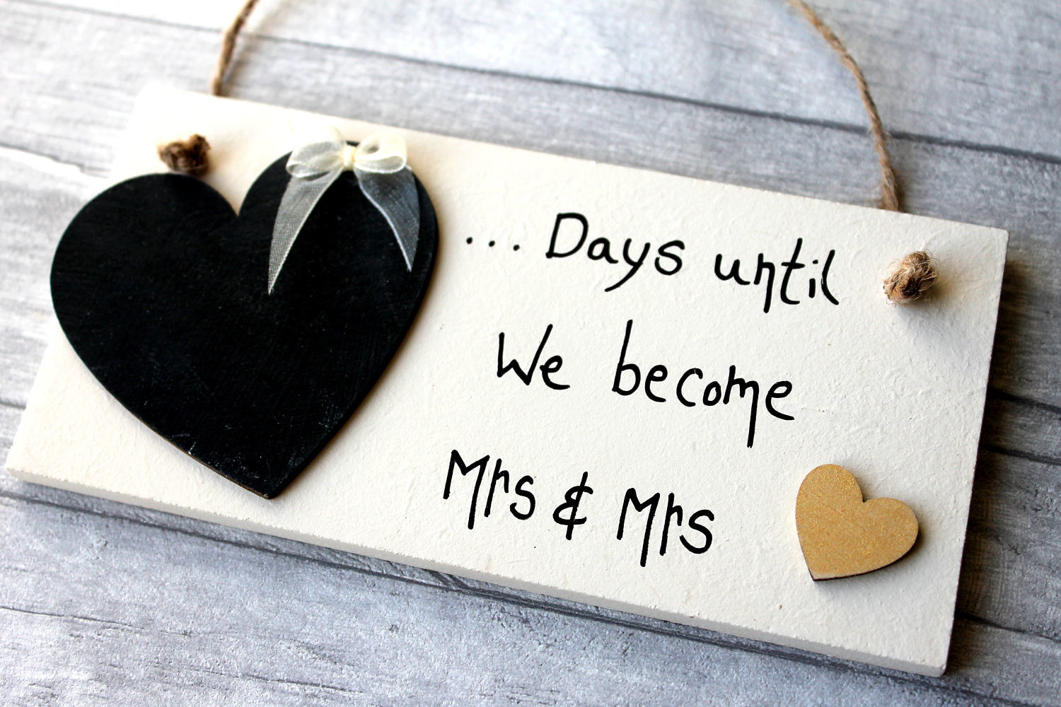 36 Perfect Gifts For Your Friend Who Just Got Engaged