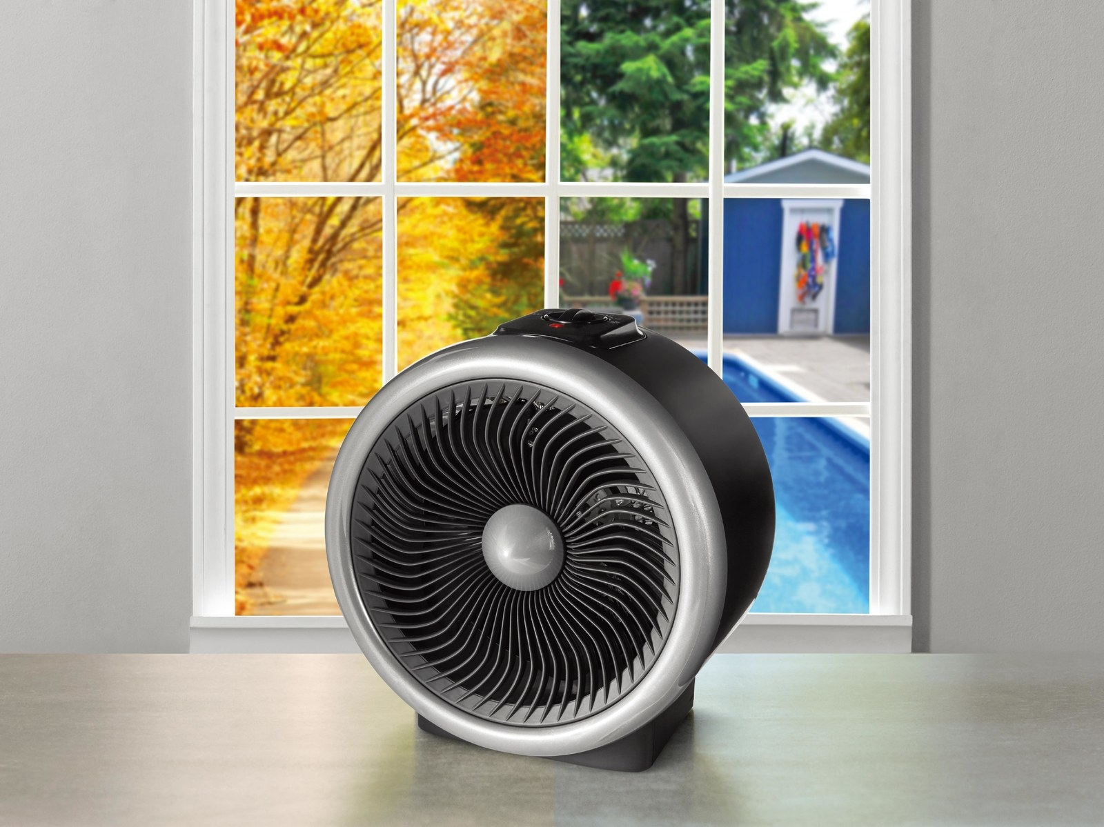 It has two heat settings, two fan settings, and a built-in safety tip-over switch to stop it from overheating. Price: $14.97 ($25.02 off the list price)