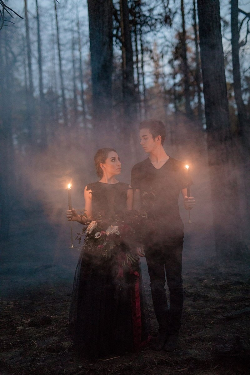 You gotta see the pics from this epic Halloween-themed wedding.