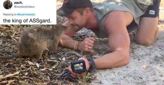 14 Thirsty/Hilarious Reactions To *That* Chris Hemsworth Video
