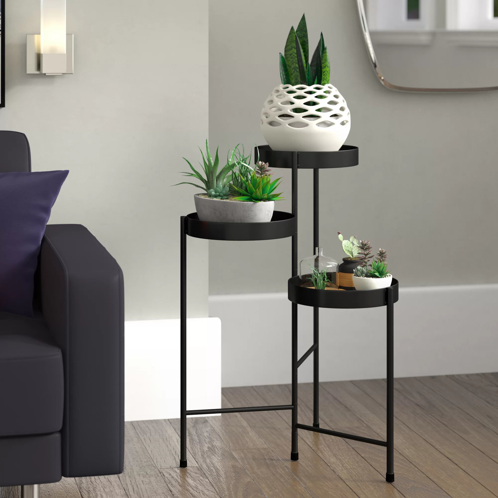 Three-tiered plant stand in black
