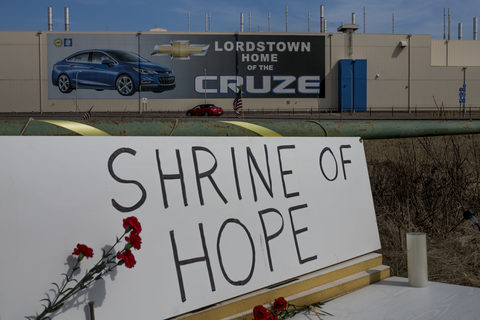 A makeshift shrine sits outside of the Lordstown GM plant on Wednesday March 20, 2019.