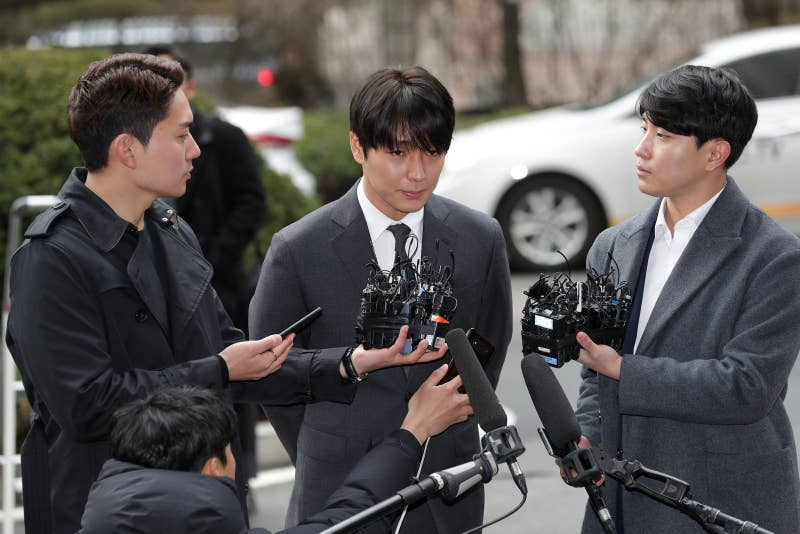 Choi Jong-Hoon, arriving at a Seoul police station for questioning over a sex video scandal among multiple celebrities on March 16, 2019.
