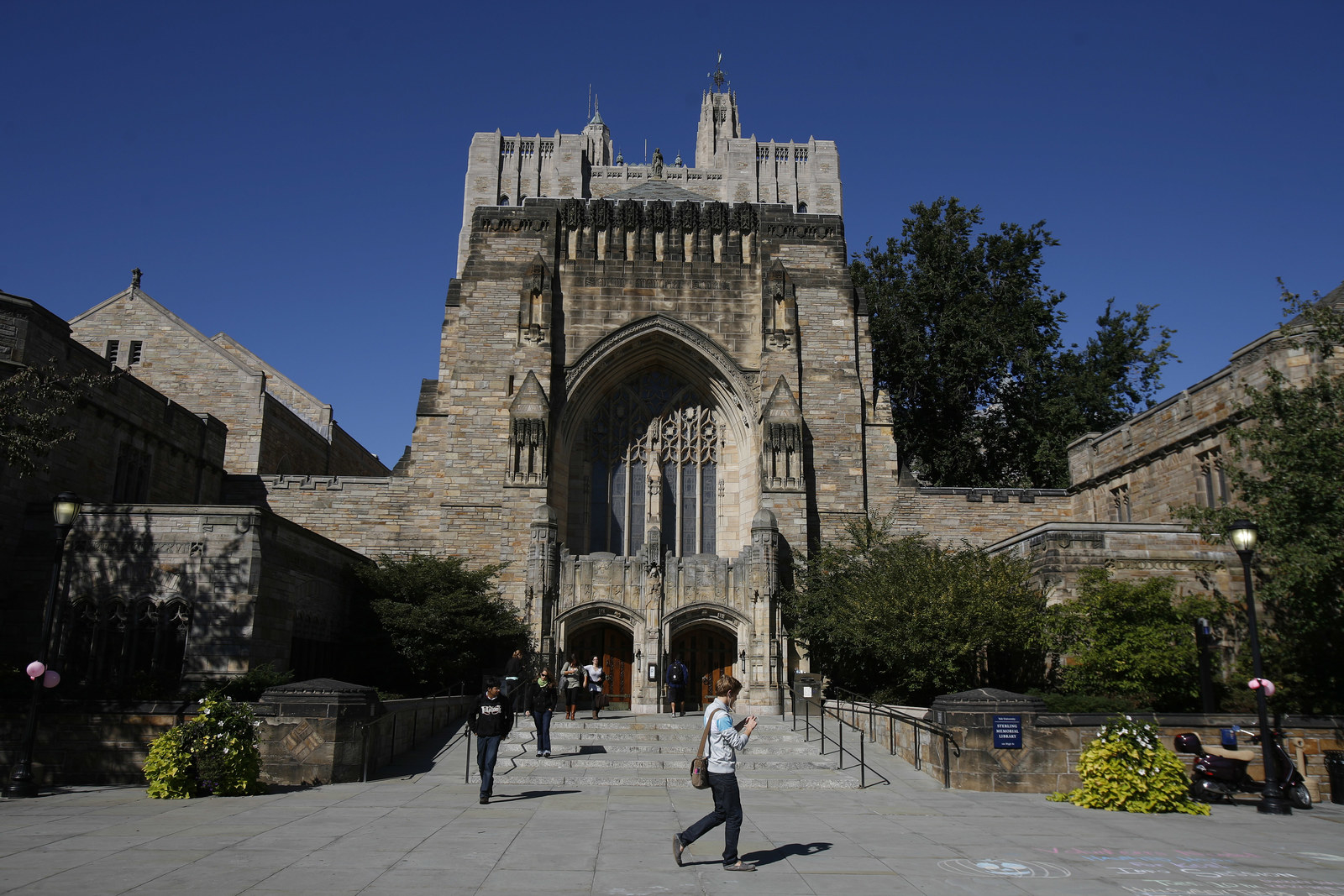 Yale Rescinds Admission Of Student After College Scam Scandal