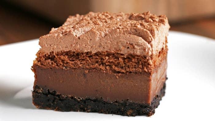 4 LAYERS 4 TEXTURES, 1 CHOCOLATE CAKE