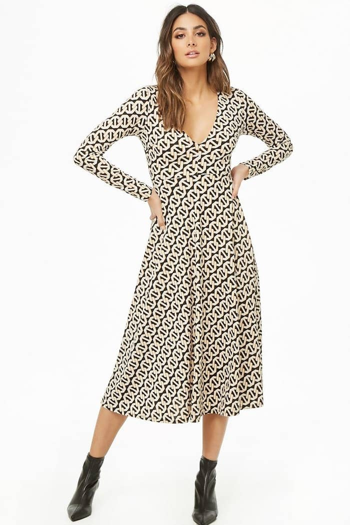 f6643b384d0 A chain-print midi dress you can rock at work and then wear to meet your  friends for happy hour. Just be prepared for all the compliments you ll get  when ...