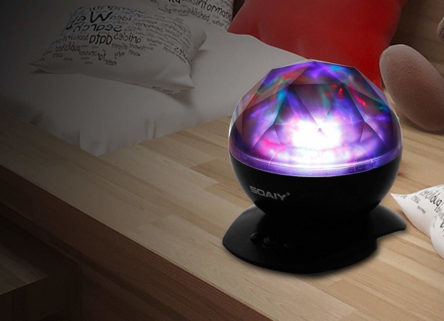 The faceted light projector
