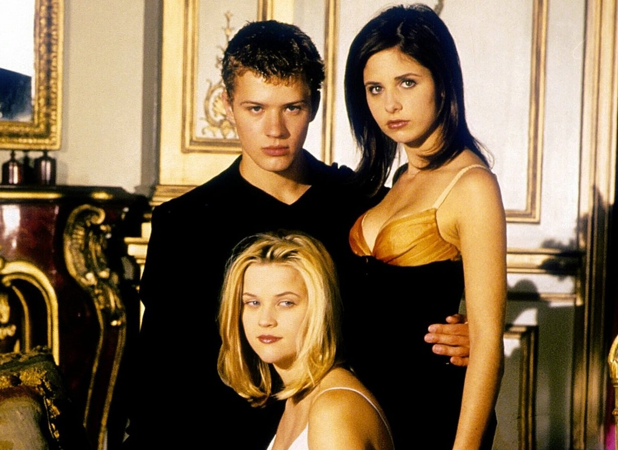 Ryan Phillippe, Sarah Michelle Gellar, and Reese Witherspoon in promotional material for Cruel Intentions.