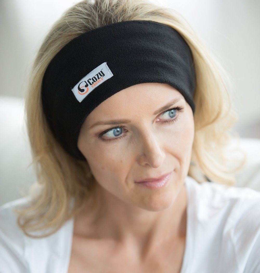 A model wearing the headband-like cozyphones