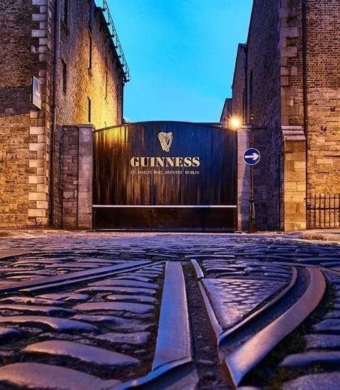 Behind these iconic gates you'll find the world's largest pint glass, a bar with the best view of Dublin, and arguably the best pint of Guinness in the world 🌍