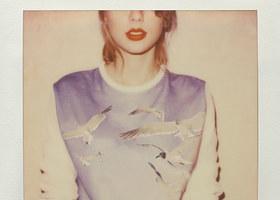 <i>1989</i> by Taylor Swift