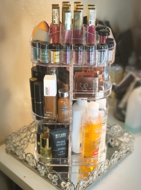 Reviewer making organizer with products inside