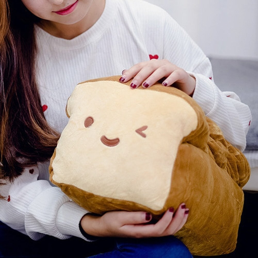 The winking bread loaf plush toy