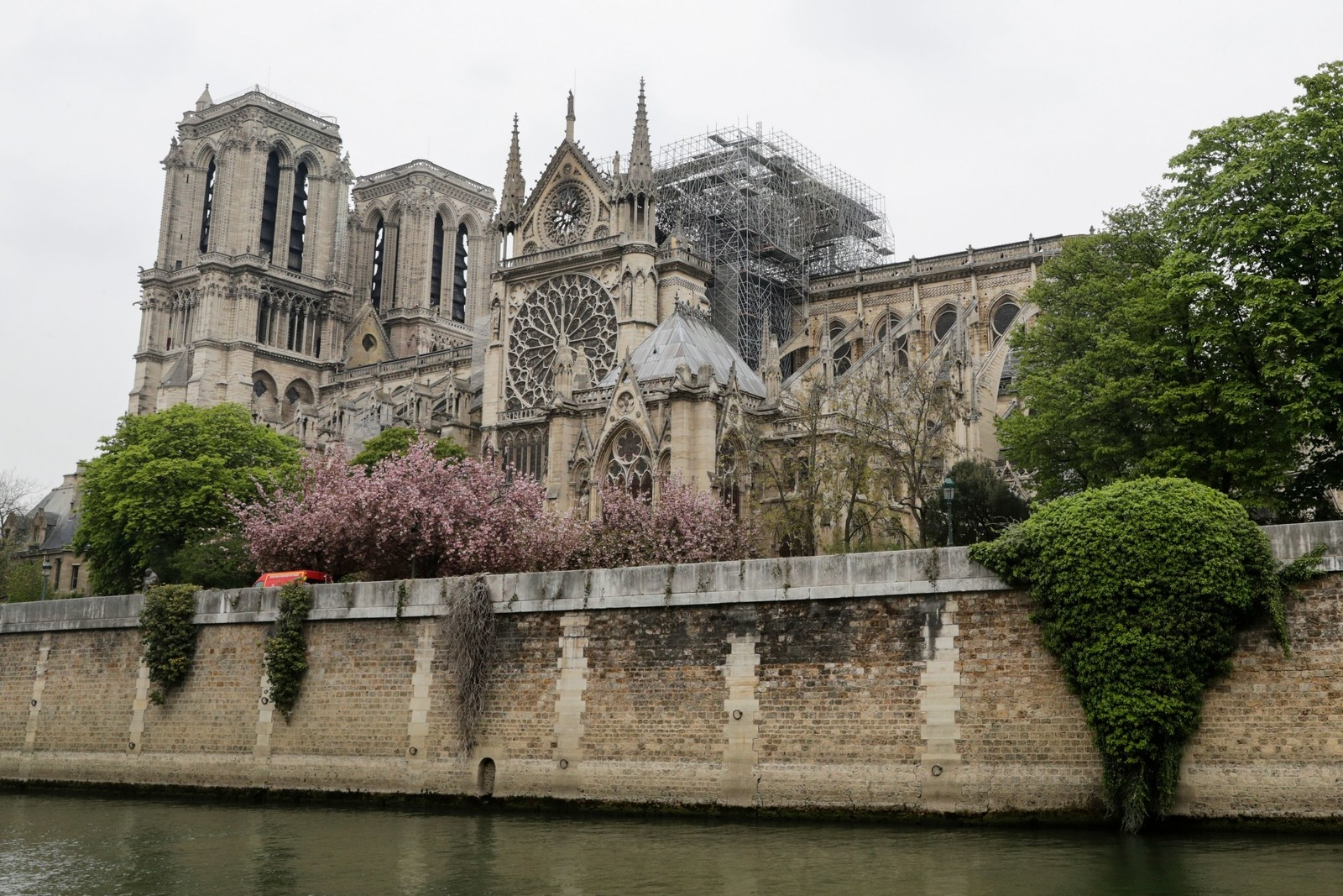 A Timeline Of How The Notre Dame Fire Was Turned Into An Anti-Muslim Narrative