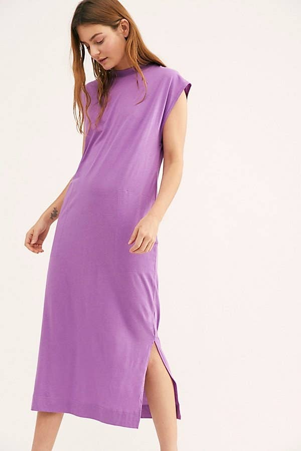 8dbec9cb7717 A midi T-Shirt dress to pair with your favorite block heels or simple  sandals for an effortlessly cool look.