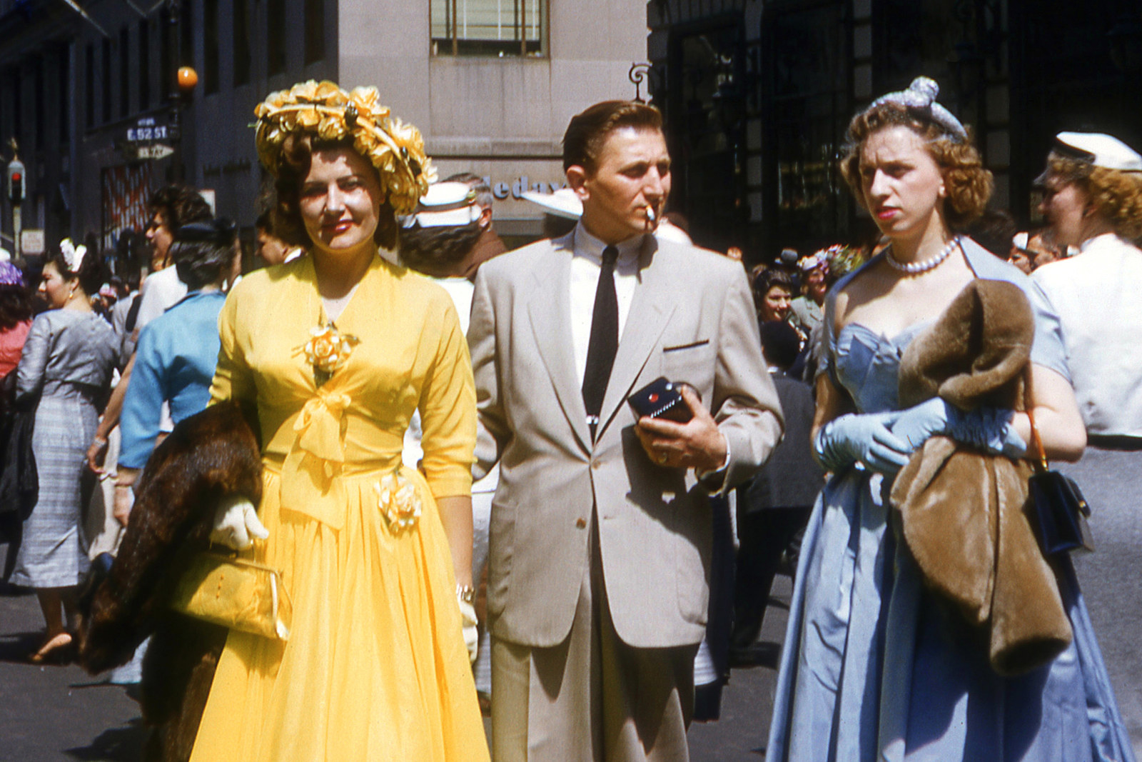 These Rare Color Pictures Show How People Dressed For Easter In The '50s