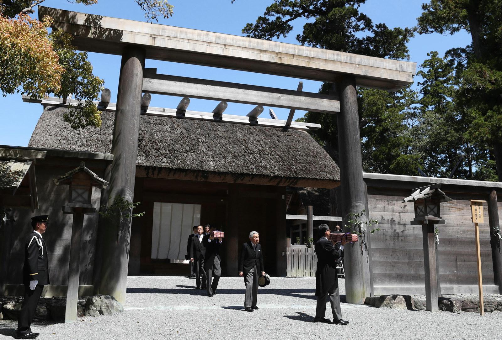 【NHK】退位に伴う伊勢神宮参拝で、「皇室の祖先は天照大神」と報道→批判や疑問の声あがる