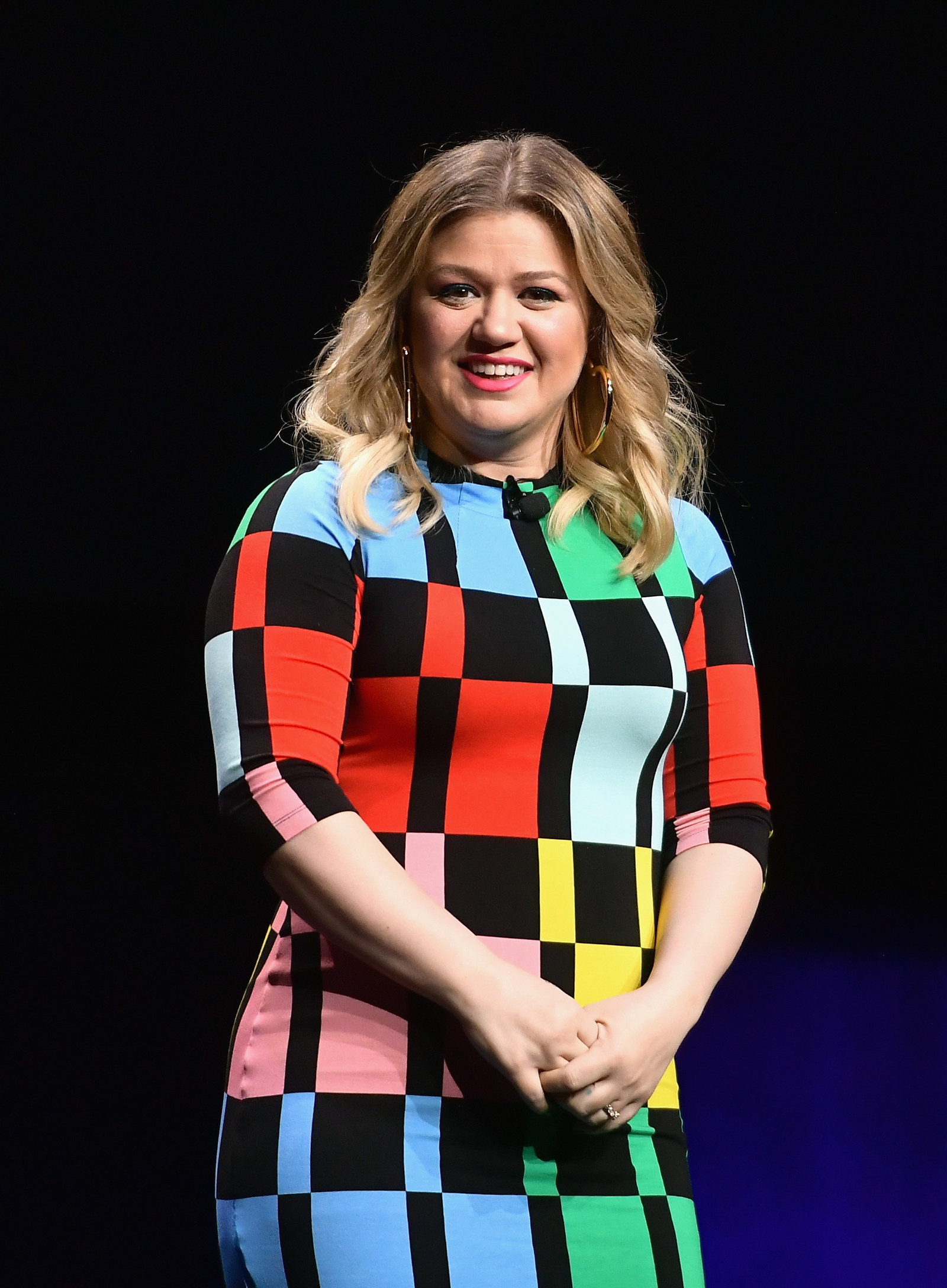 Kelly Clarkson Shut Down Rumors Of A Feud With Carrie Underwood In The Most Kelly Clarkson Way