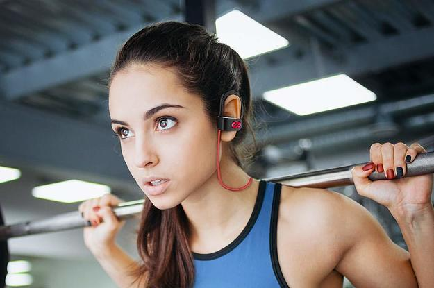 Runners, Commuters, And Literally 12,000+ People Love These $20 Headphones