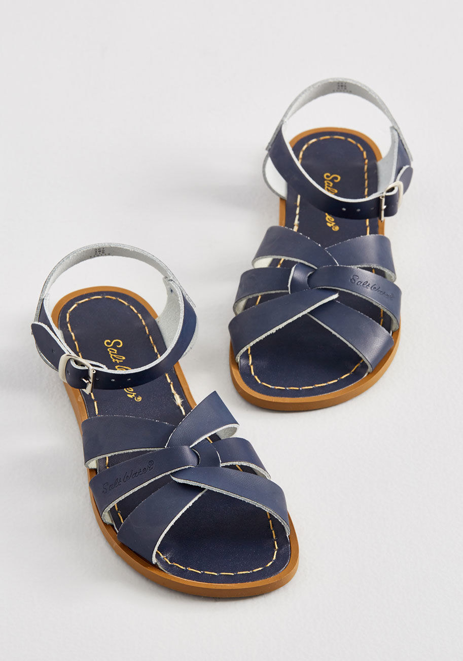 bc7160c5bc86 17 Stylish   Comfy Pairs Of Sandals Our Readers Actually Swear By