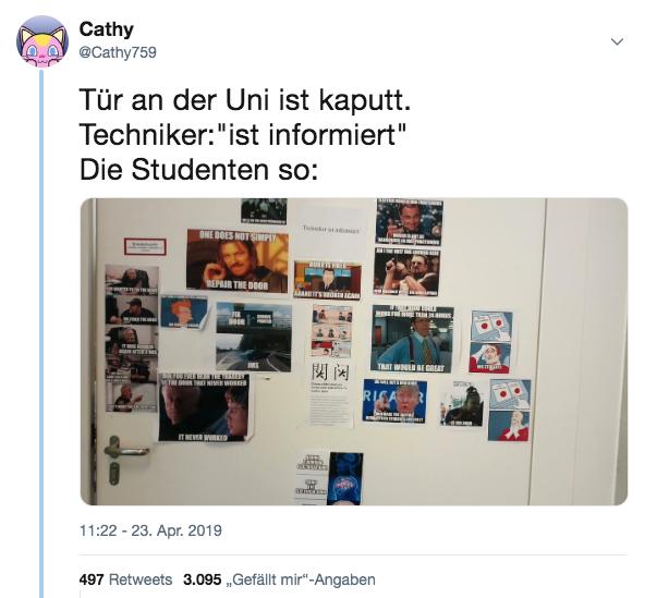 Eine Tür an der Uni Stuttgart ist kaputt und die Leute reagieren mit grandiosen Memes — MAL WIEDER