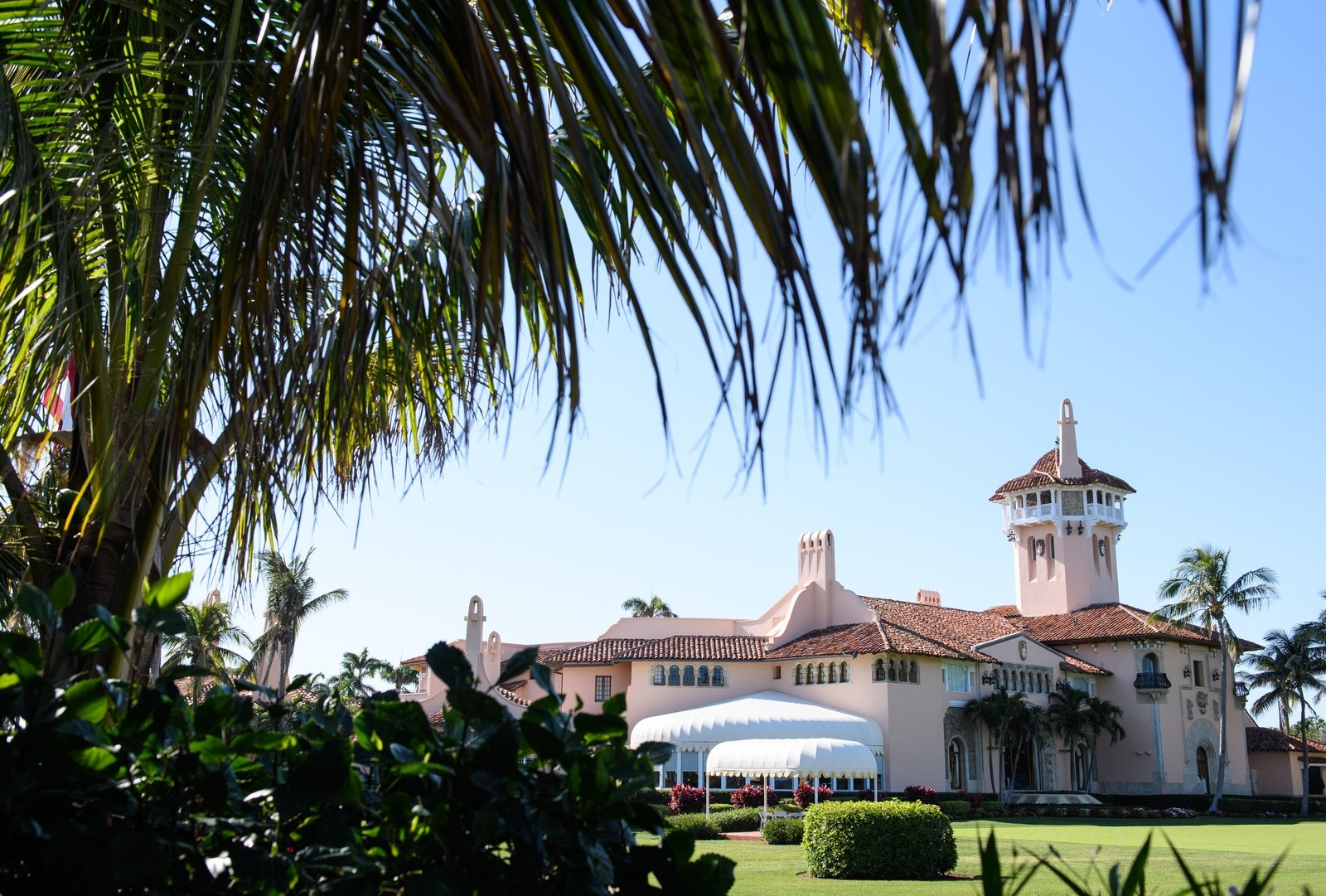 Mar-A-Lago Rejected Dozens Of US Applicants Then HIred Foreign Workers