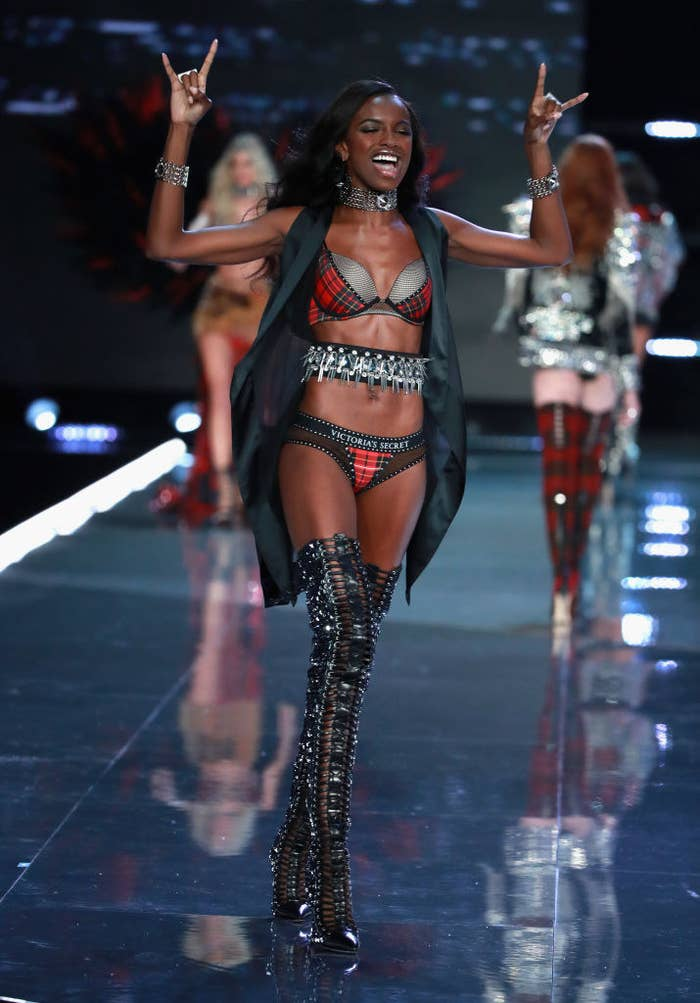 760311d1c50 Leomie Anderson Is Now A Victoria s Secret Angel And The Brand s ...
