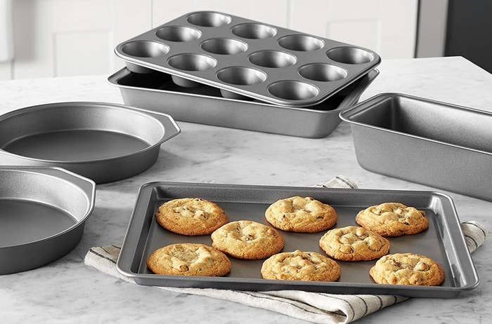 The bakeware set with pans for cookies, pie, cupcakes, and loaf cake