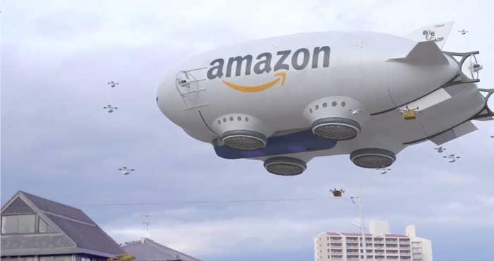 大きな「母艦」から無数のドローンが飛び出し、荷物を各家庭に配るーー。そんな動画が、世界中で話題を集めました。Amazonのイメージもあってか、海外では「ほとんどディストピア」「宇宙人の侵略」などというコメントも相次ぎ、拡散が広がっていましたが……