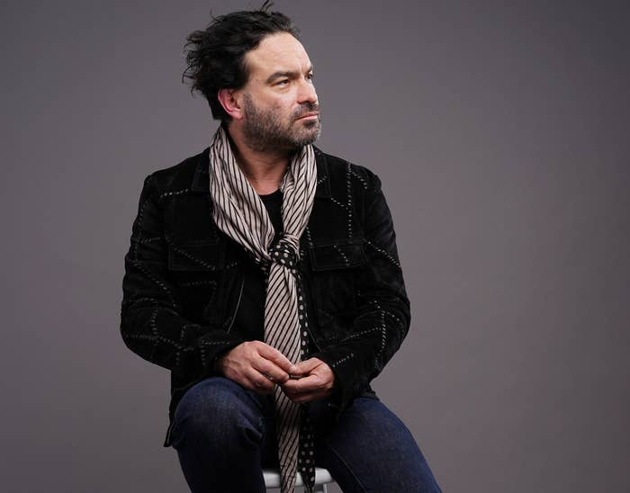 """Johnny Galecki Said He's """"Still Really Shocked"""" Over The Roseanne Barr Racist Tweet Scandal"""